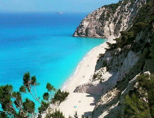 Lefkada: la vacanza a vela parte da qui! Ogni settimana navighiamo tra le isole della Grecia ionica.